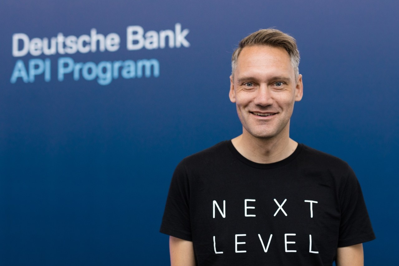 What defines successful open banking (German) Deutsche Bank's Joris Hensen [premium APIs, developer portal, co-marketing, CX]...